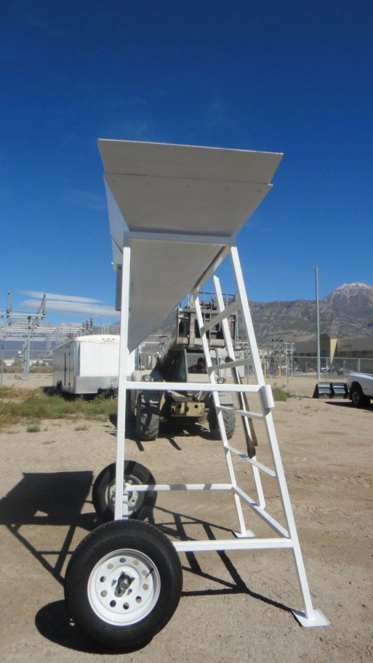 Portable Gravity Discharge Chute Side